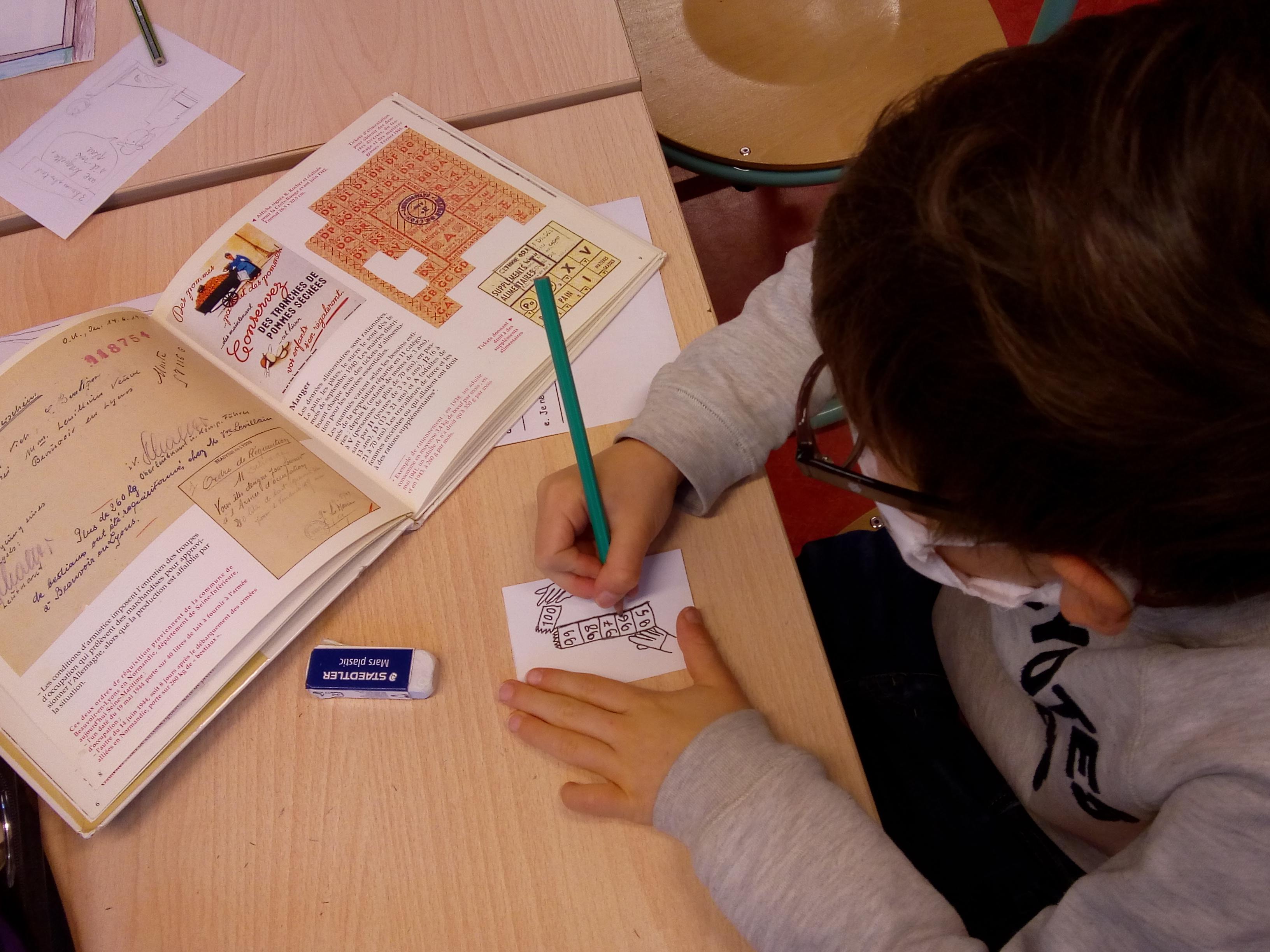 Bulles de mémoire,  La vie des Français sous l'Occupation, racontée en BD par des enfants |